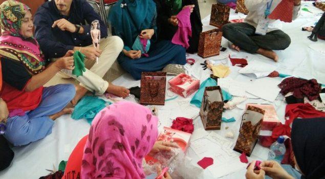 """Diperkenalkan ke Mahasiswa Asing, Batik Girl Rutan Batam """"Go Internasional"""""""