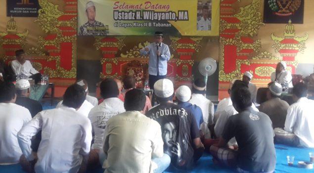 Ceramah Ustad Wijayanto Memotivasi WBP Lapas Tabanan