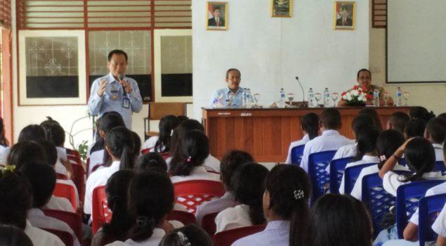 Pra PKL, Siswa SMK Dibekali Ceramah oleh Kakanwil Maluku