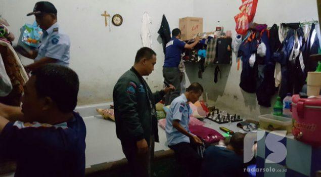 Sidak Rutan Surakarta, Petugas Banyak Temukan Korek Api Gas