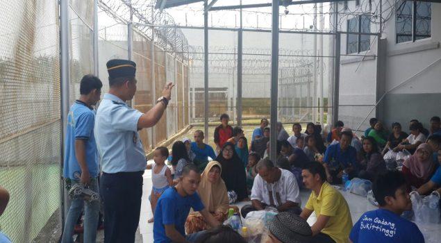 Karutan Pekanbaru Sosialisasikan Langsung Anti Pungli Kepada Masyarakat