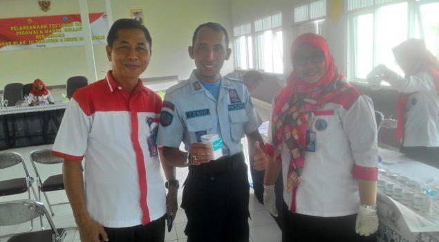 Perangi Narkoba, Lapas Tanjung Tes Urin Pegawai & WBP