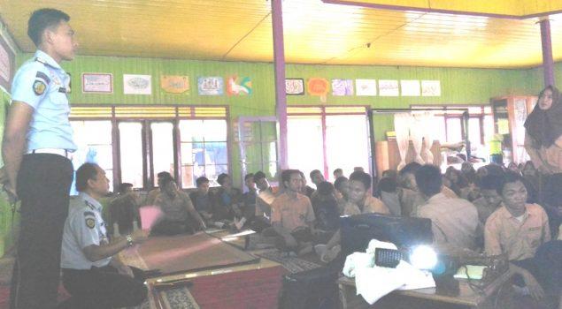 Tim Rutan Marabahan Sosialisasikan POLTEKIP & POLTEKIP di SMAN I Marabahan