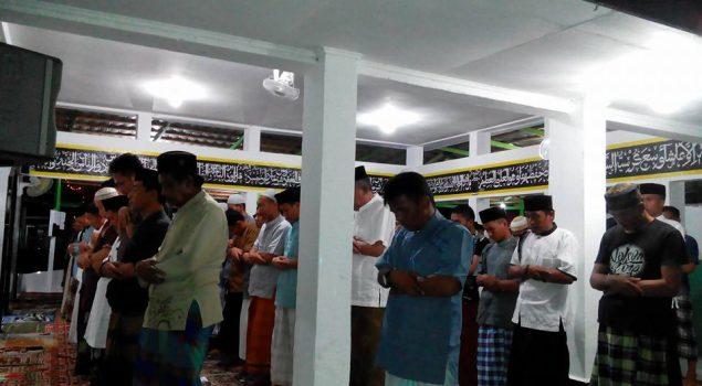 WBP Rutan Mamuju Tarawih Berjamaah Bersama Kadiv PAS