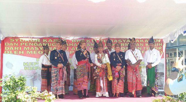 Kakanwil NTT, Kadiv PAS, dan Kalapas Kupang Dianugerahi Tanda Kehormatan Adat Timor