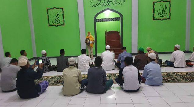 Usai Sosialiasi Fidusia Online, WBP Lapas Piru Tarawih Berjamaah