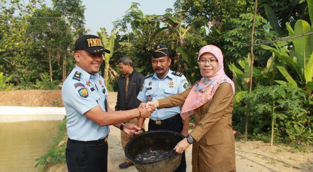 Hibah Bibit & Pakan Ikan Bantu Pembinaan di Pondok Asimilasi Rutan Rangkasbitung