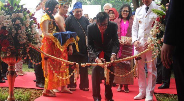 Lomba Panjat Pinang Hebohkan Lapas Anak Wanita Tangerang