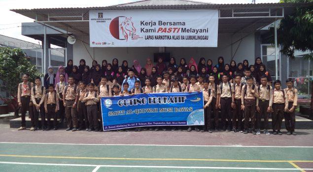 Siswa SMP IT Al Qudwah Pelajari Bahaya Narkoba ke Lapas Narkotika Lubuk Linggau