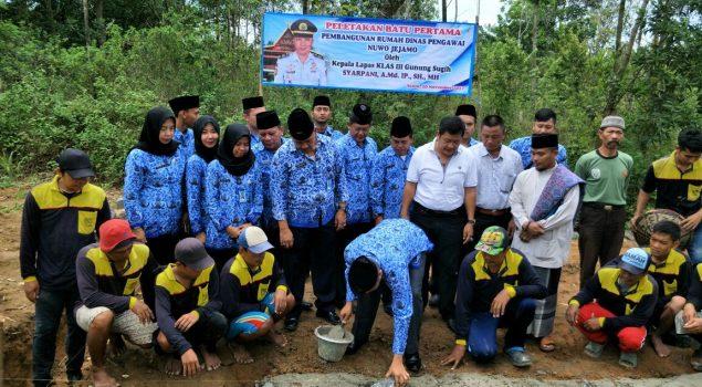 """Sambut CPNS, Lapas Gunung Sugih Bangun Rumah Dinas """"Nuwo Jejamo"""""""