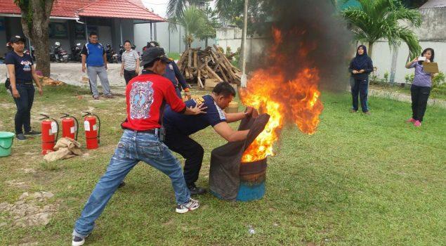 Antisipasi Kebakaran, Petugas Rutan Balikpapan Belajar Penanganan Kedaruratan