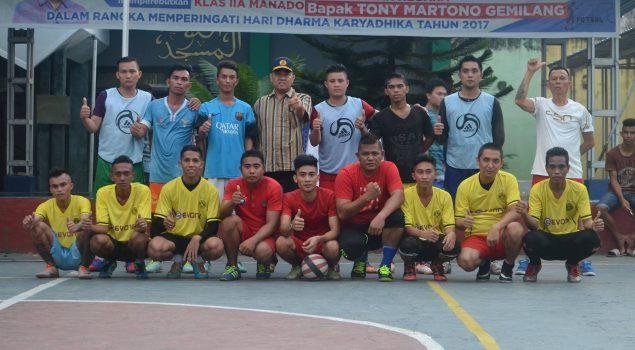 TIm Asoka A Juarai Turnamen Futsal Piala Karutan Manado