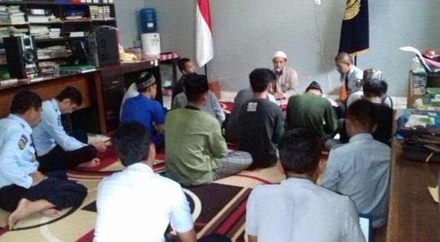 LPKA Mamuju Rutinkan Petugas & Anak Baca Al Quran