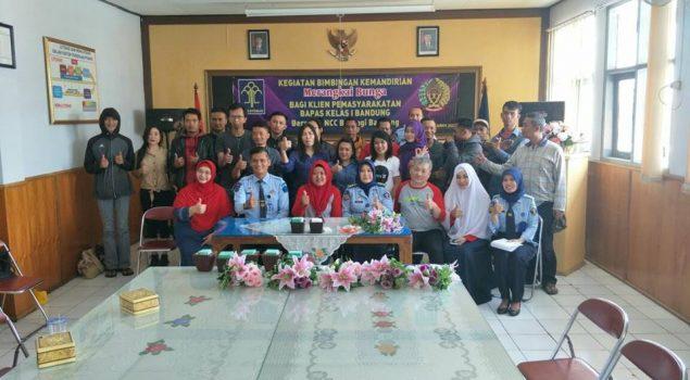 25 Klien Bapas Bandung Belajar Merangkai Bunga
