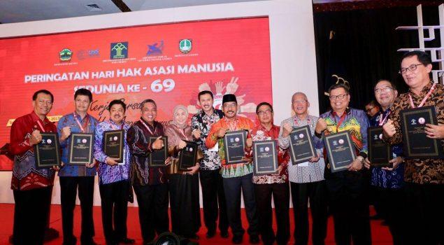 Seluruh Kab/Kota Provinsi Kalsel Terima Penghargaan HAM