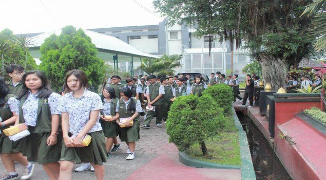 Pelajar SMAK Pelajari Pembinaan di Lapas Malang