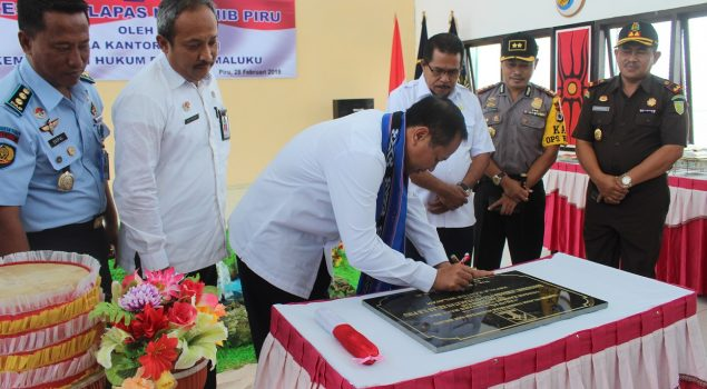 Kakanwil Maluku Resmikan Kantor Baru Lapas Piru
