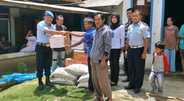 Peduli Korban Banjir, Lapas Gunung Sugih Berikan Santunan