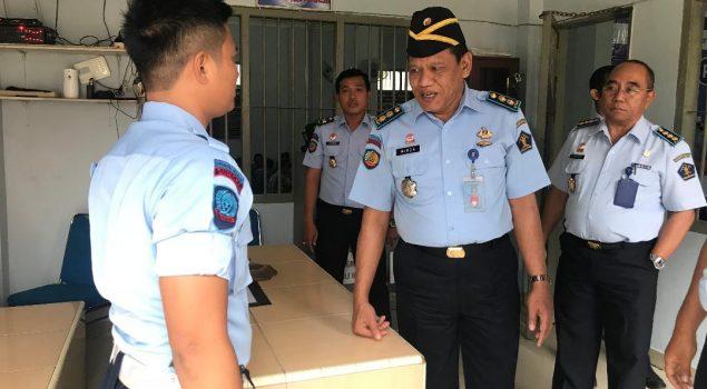 Direktur Perawatan Kesehatan dan Rehabilitasi Apresiasi Petugas Lapas Narkotika Palembang