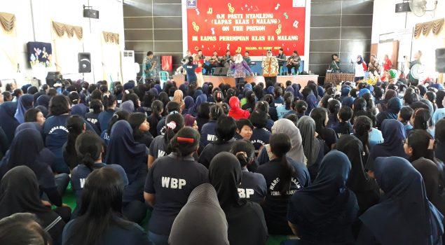 OM Pasti Nyamleng Hibur WBP Lapas Perempuan Malang