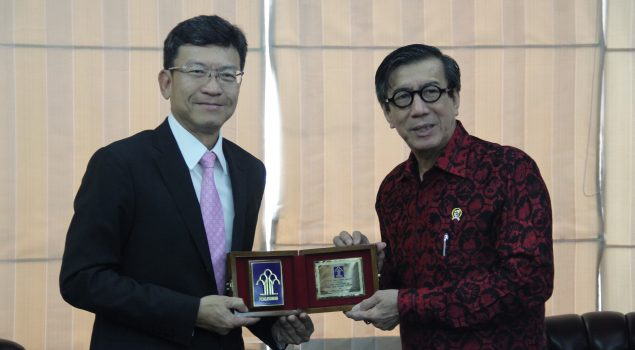 Menkumham Terima Kunjungan Duta Besar Thailand untuk Indonesia.