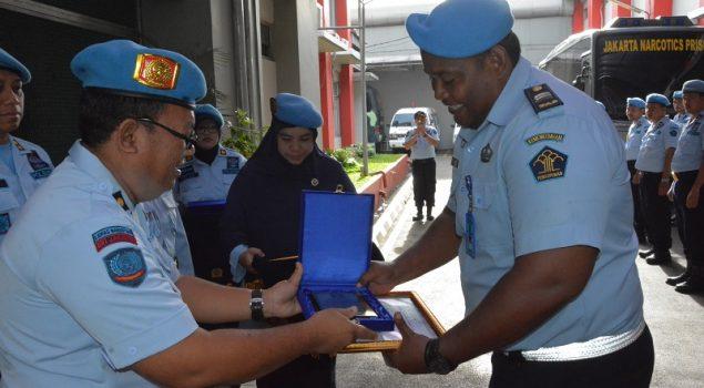 Berprestasi di APTFC, Petugas Lapas Narkotika Jakarta Raih Penghargaan