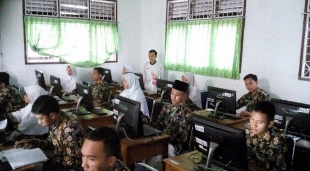 Anak LPKA Bengkulu Ikut Ujian Nasional Berbasis Komputer