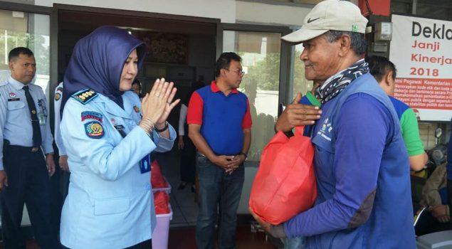 Bapas Bandung Berbagi dengan Penghuni Panti Asuhan & Ponpes
