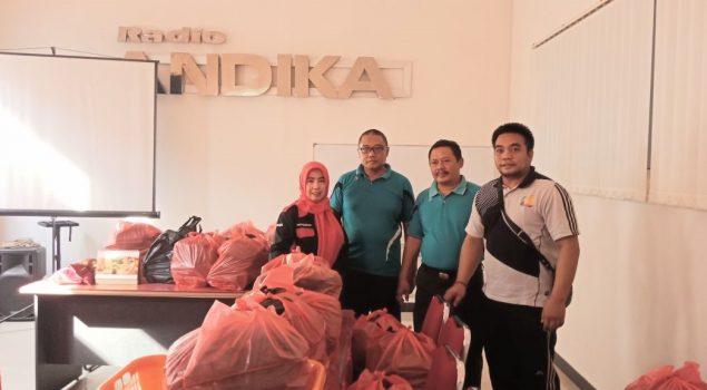 Bapas Kediri Bagikan 180 Nasi Bungkus untuk Kaum Dhuafa