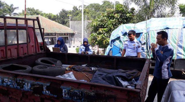 Petugas Rupbasan Bandung Teliti & Taksir Ulang Basan Baran KR4