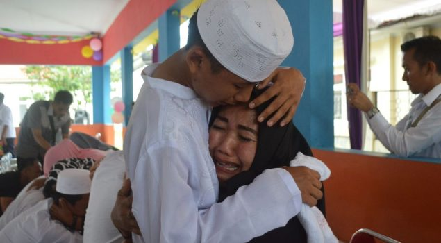 Penuh Haru Acara Basuh Kaki Ibu di LPKA Bandar Lampung