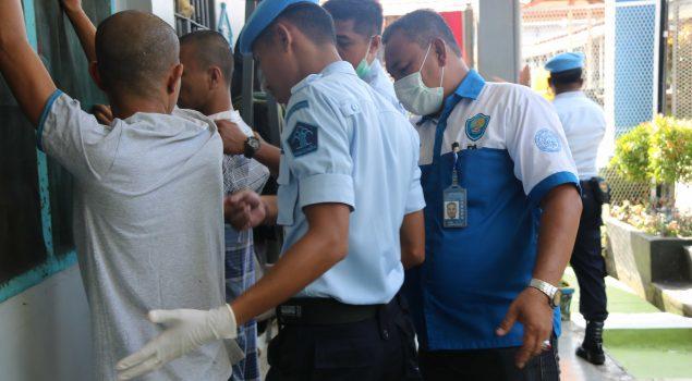 Digeledah 130 Petugas Gabungan, Lapas Narkotika Sungguminasa Bebas Narkoba