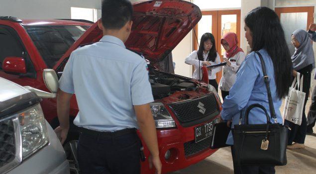 KPKNL dan KPK Lakukan Penilaian 2 Mobil di Rupbasan Jakbar