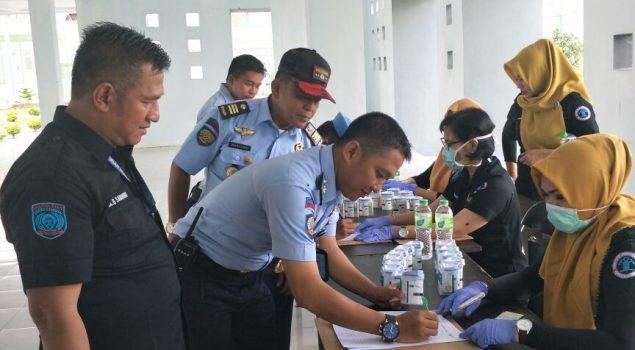 Pastikan Jajarannya Steril Narkoba, Kadivpas Lampung Tes Urin Petugas & WBP Gunung Sugih