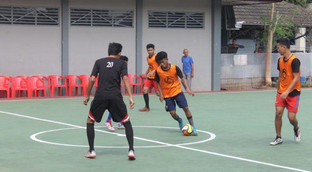 Halalbihalal Lapas Semarang Disemarakkan dengan Eksibisi Futsal