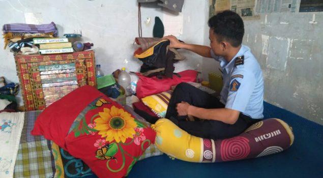 Petugas Rutan Bantaeng Geledah Blok & Kamar Hunian WBP