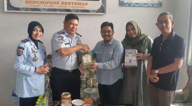Lapas Semarang Terima Hibah 200 Iqro & Panduan Salat