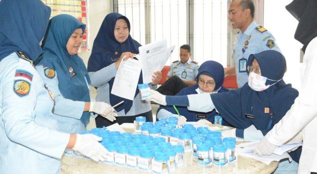 Komitmen P4GN, Seluruh Pegawai Lapas Narkotika Jakarta di Tes Urine