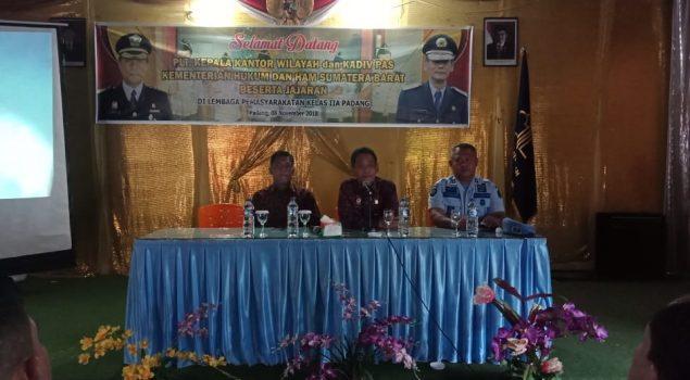 Kunjungi Lapas Padang, Kakanwil Tekankan SOP