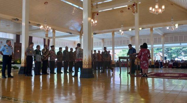 Sri Sultan Hamengku Buwono X Serahkan DIPA 2019 kepada Karutan Wates