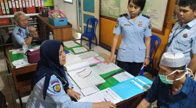 Tim Medis Ditjen PAS Cek Kesehatan WBP Terdampak Gempa & Tsunami Palu