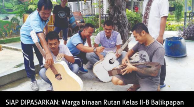 Warga Binaan Mampu Produksi Gitar Akustik