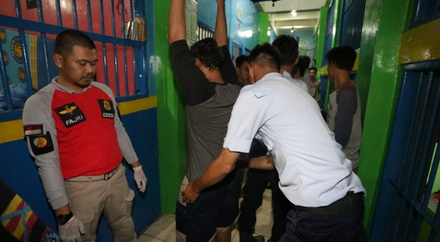 Bersih-Bersih Lapas, Tim Kobra Ditjen PAS Geruduk Lapas Narkotika Lampung