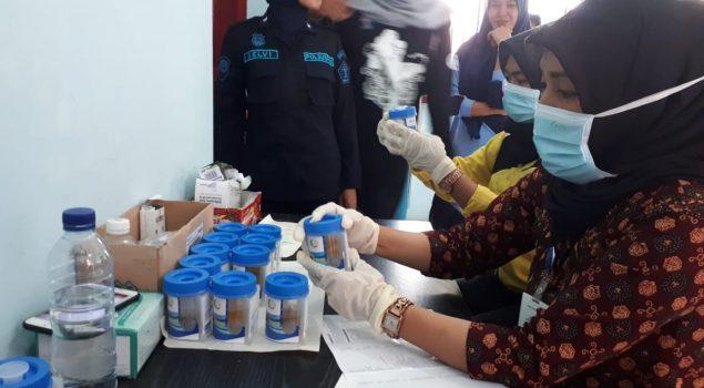 Petugas Lapas Perempuan Kelas III Jalani Tes Urine