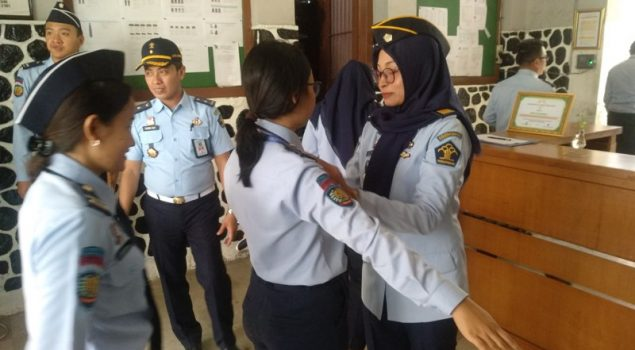 Pengecekan Atribut & Meja Kerja Pastikan Petugas LPKA Jakarta Tak Terlibat Narkoba