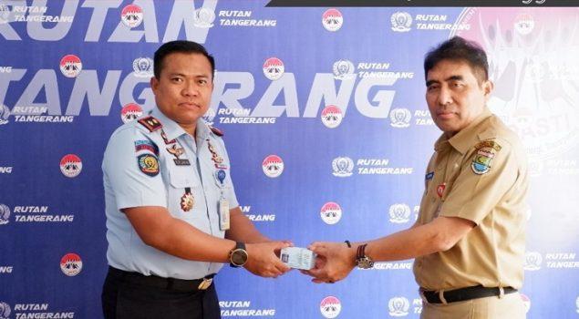 Karutan Tangerang Terima KTP-el WBP dari Diskdukcapil Kab. Tangerang