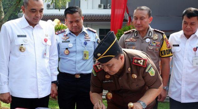 Karutan Tangerang Saksikan Pencanangan Zona Integritas WBK/WBBM di Kejari Kab. Tangerang