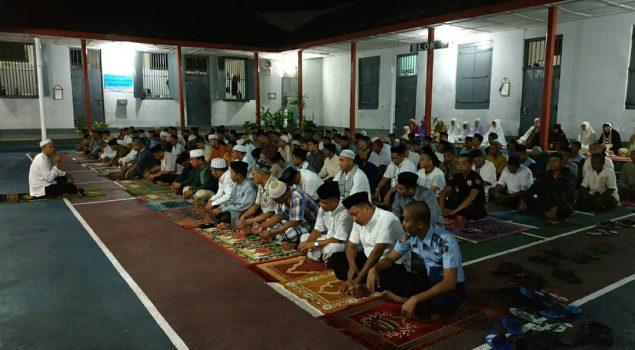 Petugas & WBP Rutan Bantaeng Gelar Dzikir & Doa Bersama