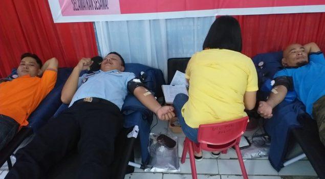 Jajaran Rutan Manado Berpartisipasi Dalam Donor Darah di Lapas Manado