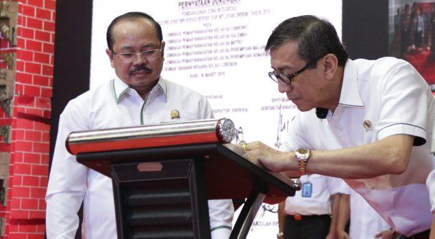 (Reportase) Deklarasi Pemberian Hak Remisi dan Integrasi Narapidana dan Anak serta Pencanangan ZI WBBM